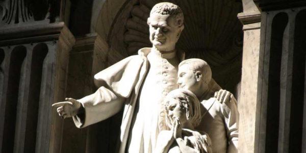 Sogna di trovarsi in una nicchia in San Pietro